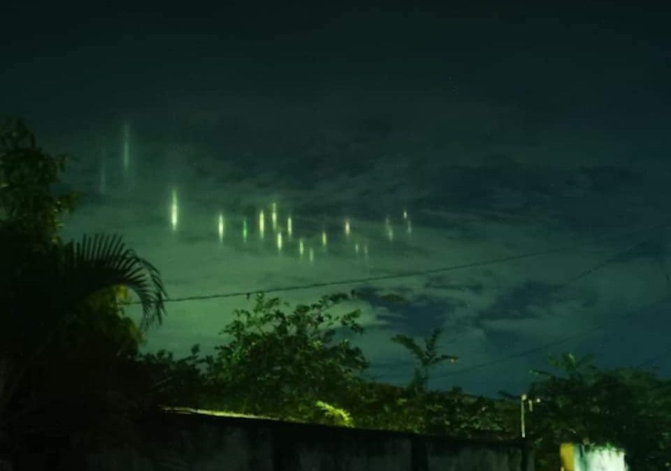 Mysterious-looking Light Pillars appear in Sulu skies