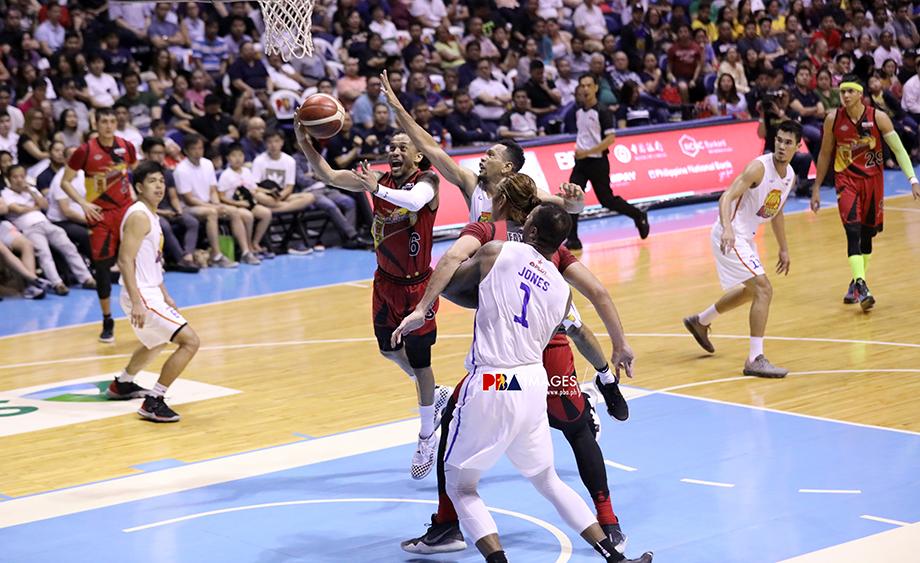 San Miguel outlasts TNT to tie PBA Finals, 2-2