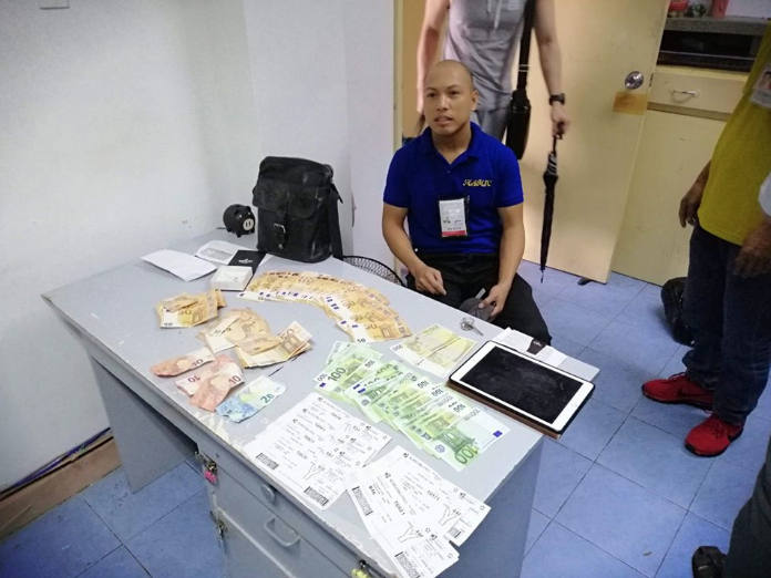 Honest airport cleaner returns bag with estimated Php430k cash