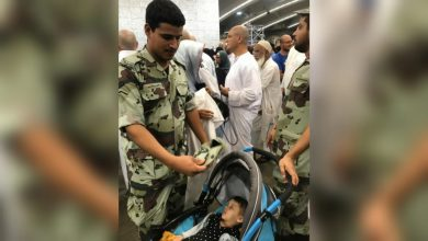 Photo of WATCH: Saudi Cop tries to regulate temperatures for baby at Hajj