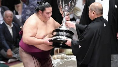 Photo of Pinoy-Japanese sumo wrestler wins Emperor's Cup in Tokyo