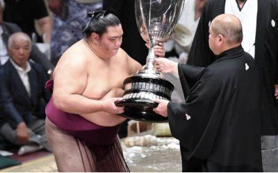 Pinoy-Japanese sumo wrestler wins Emperor's Cup in Tokyo