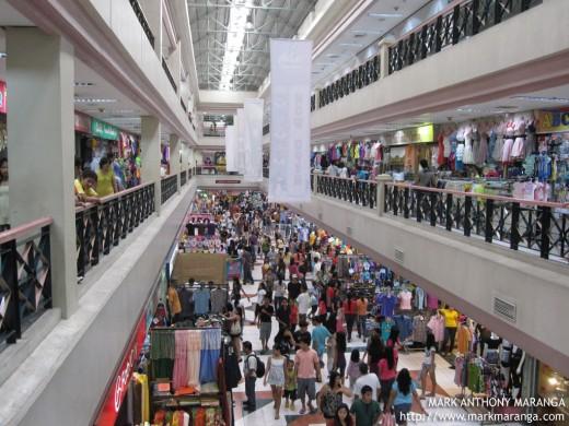 Mayor Isko to malls: Stop buying, selling stolen phones or face closure