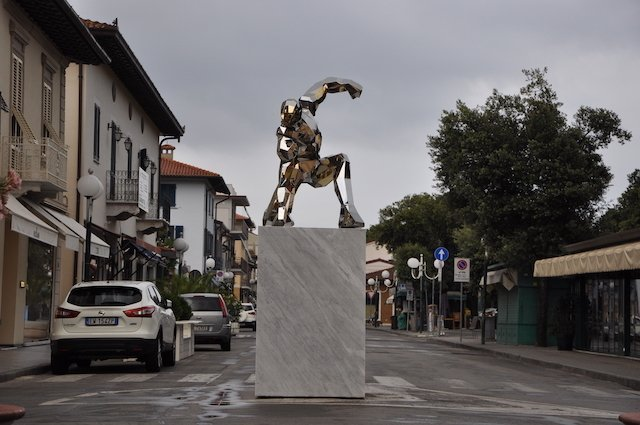Iron Man statue erected in Italy