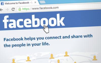#facebookdown trended on Twitter on Sunday