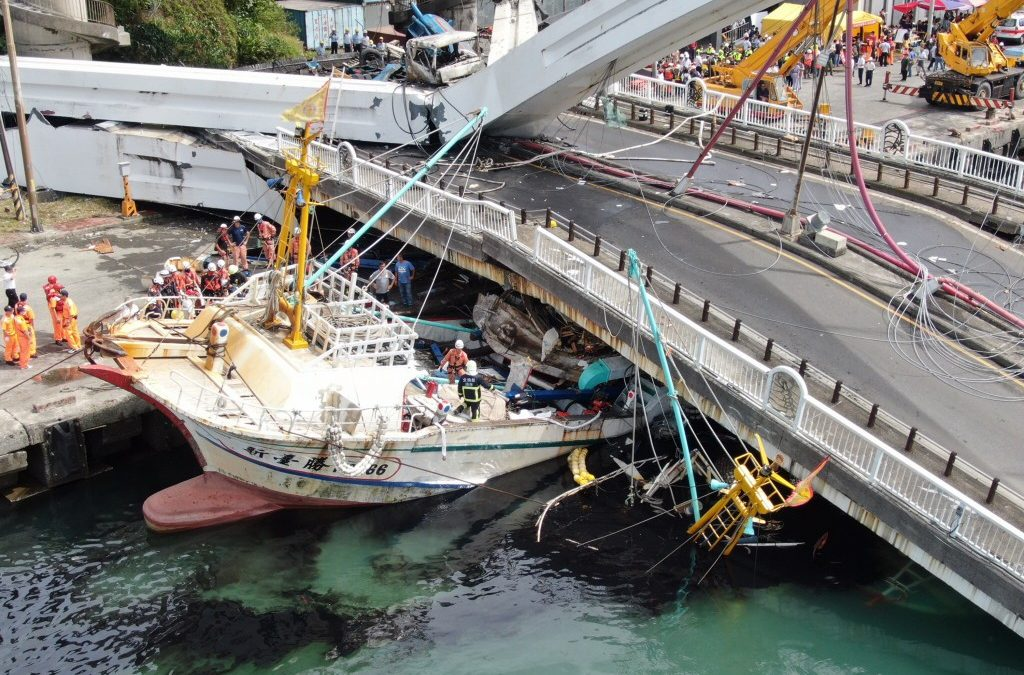 Taiwan, PH give different figures on hurt, missing Filipinos in bridge collapse