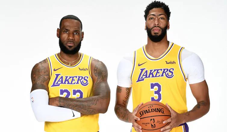 LA Lakers blow out Golden State Warriors in NBA preseason debut