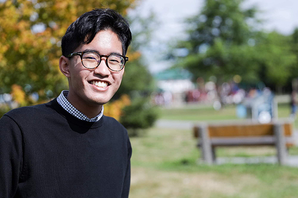 18 year-old Filipino-Canadian runs for parliament
