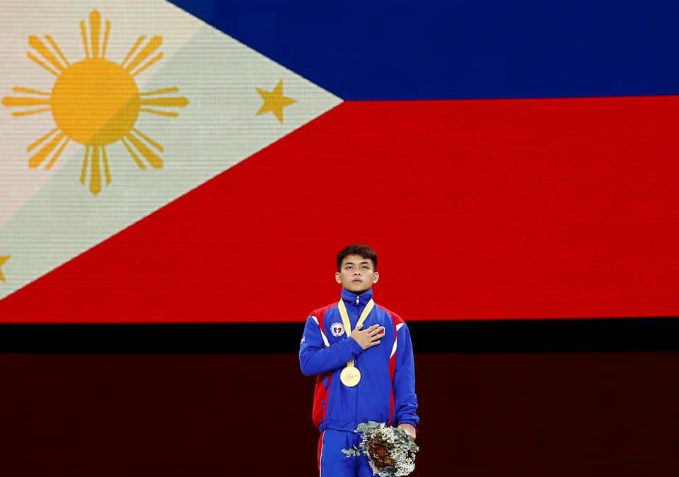 'Ma naka-gold ako' —  Carlo Yulo tells mom after historic gold medal win