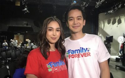 Julia Barretto, Joshua Garcia cross paths during ABS-CBN Christmas Station ID