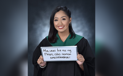 'Umuwi ka na ma:' Student grad photo dedicating to OFW mom goes viral