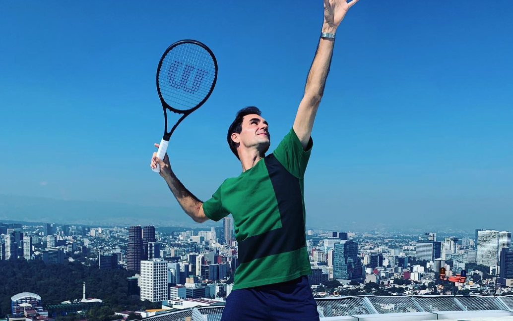 Roger Federer wows over 42,000 crowd in Mexico match