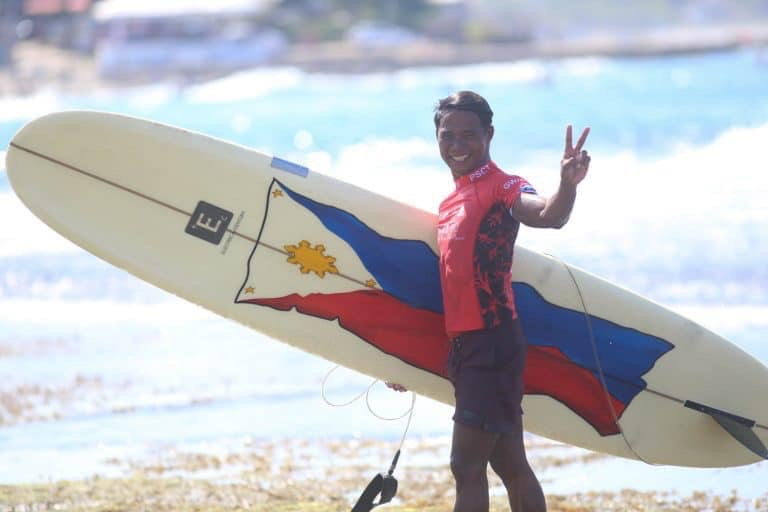 KUDOS: Pinoy hero surfer wins first gold in surfing