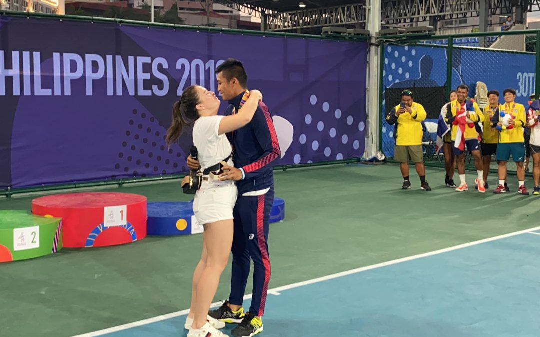 LOOK: Pinoy athlete proposes to girlfriend after SEA Games match