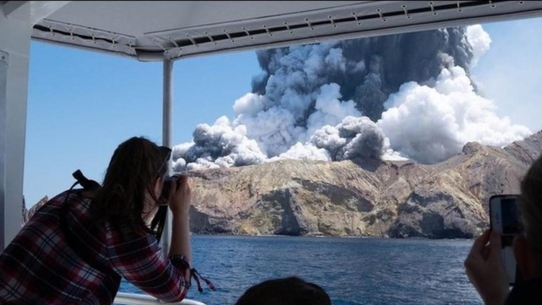 New Zealand island shows 'no signs of life' after eruption, says police