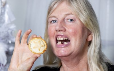 Woman accidentally swallows her dentures while eating minced pie