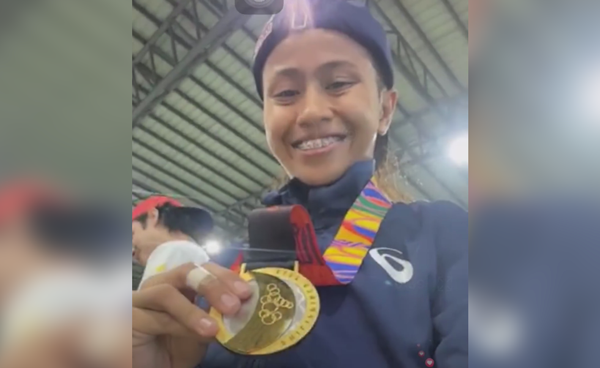 PH skateboarders bags two golds