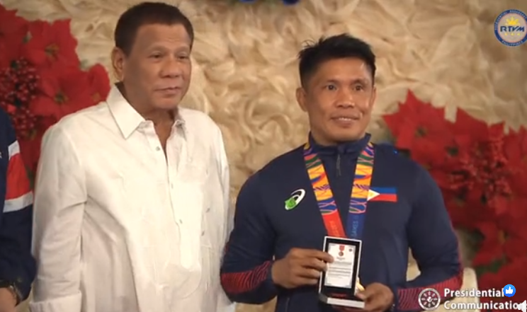 Duterte honors Filipino SEA Games medalists in Malacañang