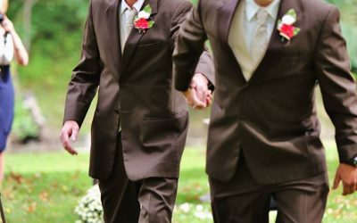 Dad stops daughter's wedding for her stepdad to walk down the aisle