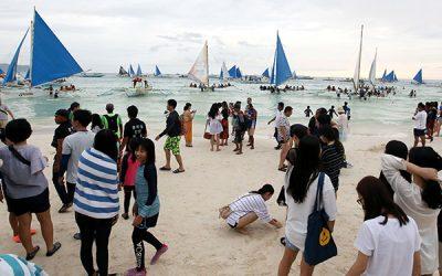 Three Chinese tourists in PH show suspected SARS-like virus symptoms