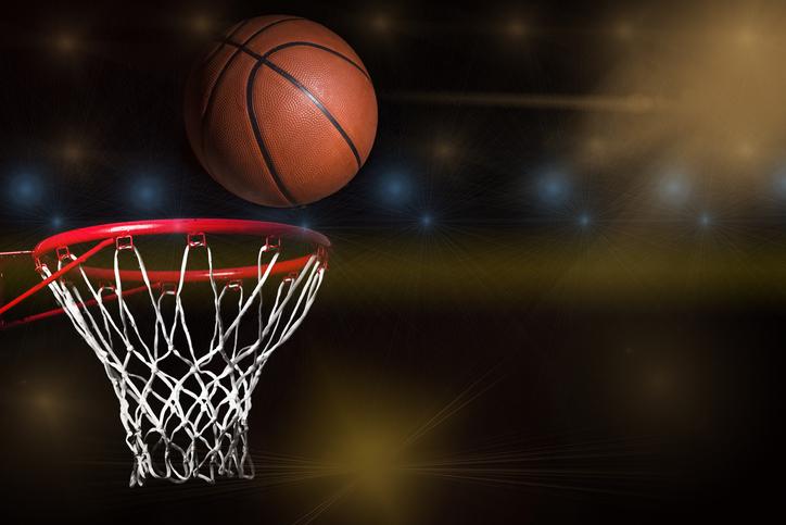 Lakers beats Mavericks by 108-95