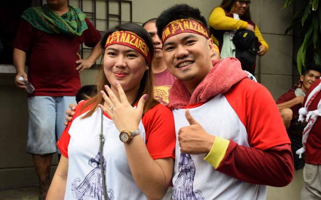 Nazareno devotee proposes to girlfriend during Traslacion