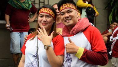 Photo of Nazareno devotee proposes to girlfriend during Traslacion