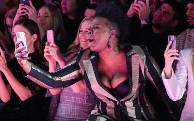Leslie Jones' wild, energetic cheer at New York Fashion Show gets worldwide attention