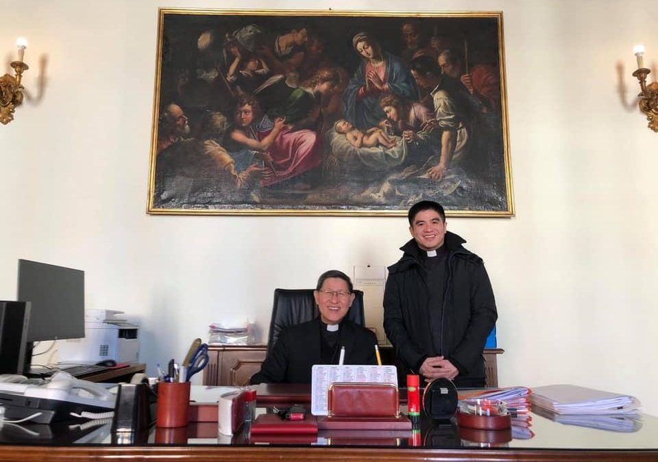Cardinal Tagle settles in at new office in Rome
