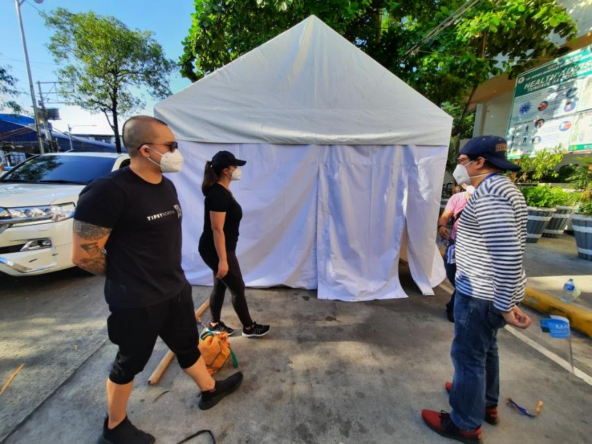 LOOK: Angel Locsin, Neil Arce donate isolation tents to Manila hospital