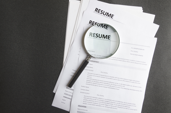 Should You Add a Photo on Your CV?