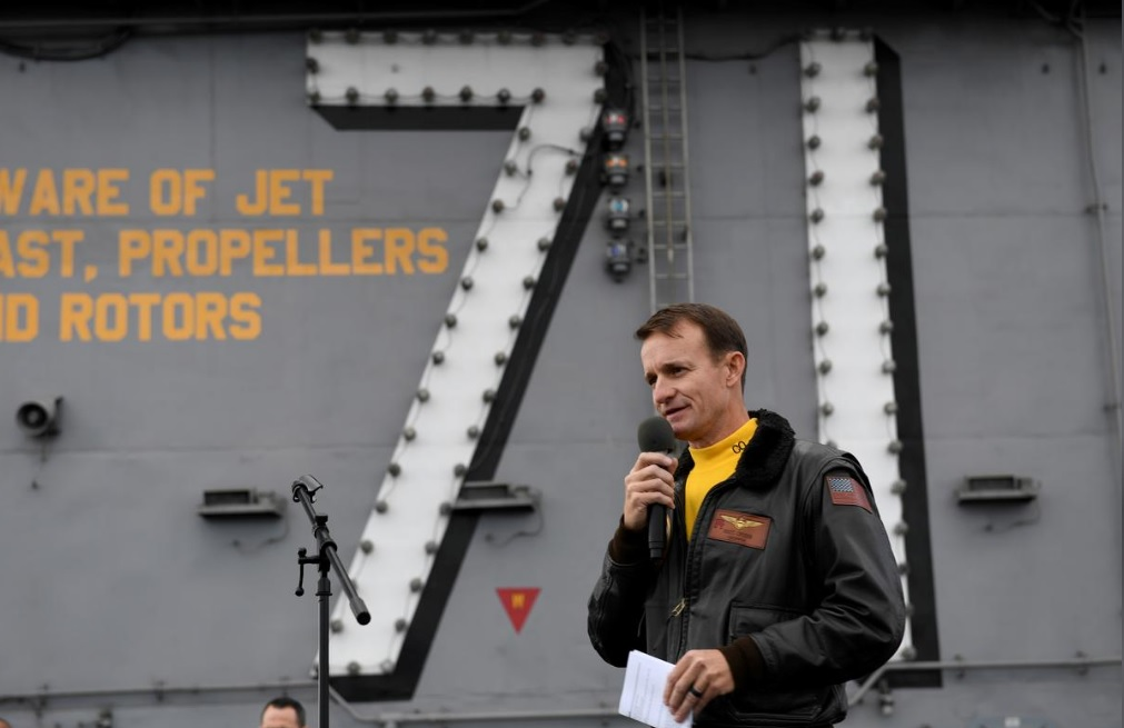 US aircraft carrier captain sacked after making public a coronavirus-related complaint