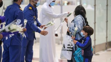 Photo of IN PHOTOS: Dubai airport welcomes Beirut passengers with flowers