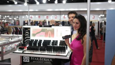 Photo of Meet Sunny Leone live while shopping at CBBC