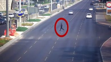Photo of WATCH: Pedestrian hit by car while jaywalking in Abu Dhabi