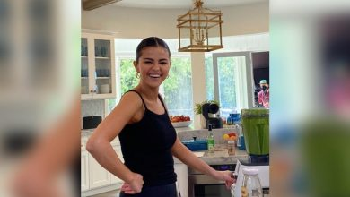 Photo of Selena Gomez to prepare adobo in her cooking show